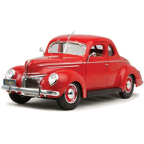 1:18 1939 Ford Deluxe, Tudor Red - 31180